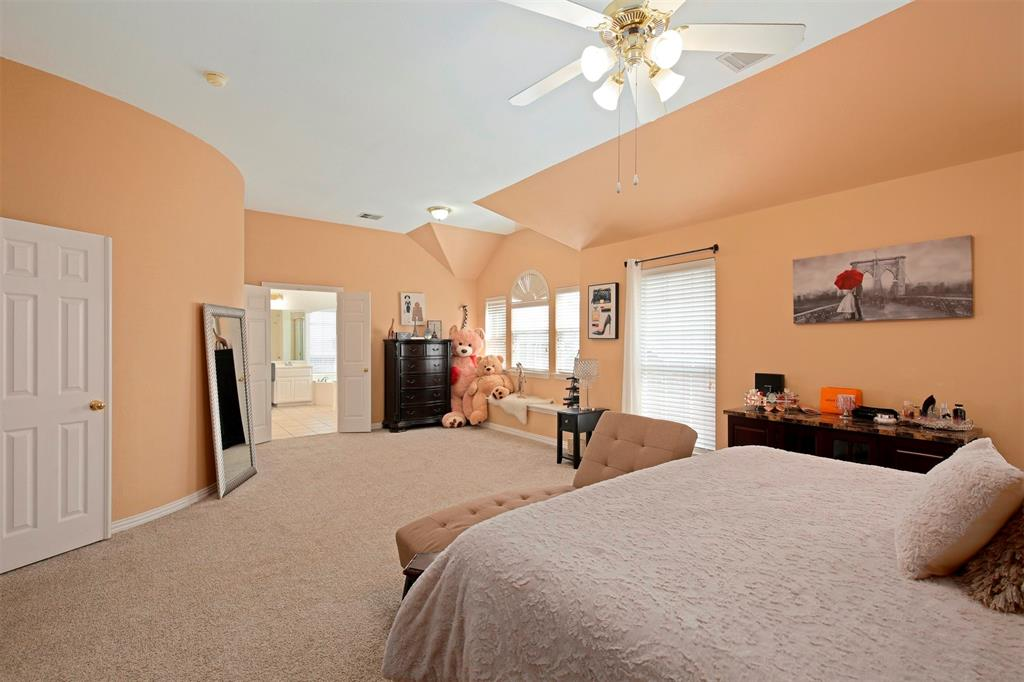 1226 Nocona  Drive, Irving, Texas 75063 - acquisto real estate best realtor foreclosure real estate mike shepeherd walnut grove realtor