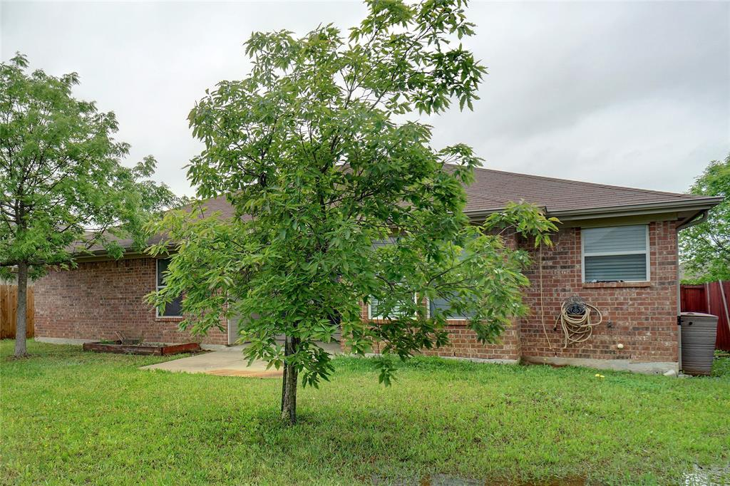 1015 Vinewood  Avenue, Burleson, Texas 76028 - acquisto real estate best photo company frisco 3d listings