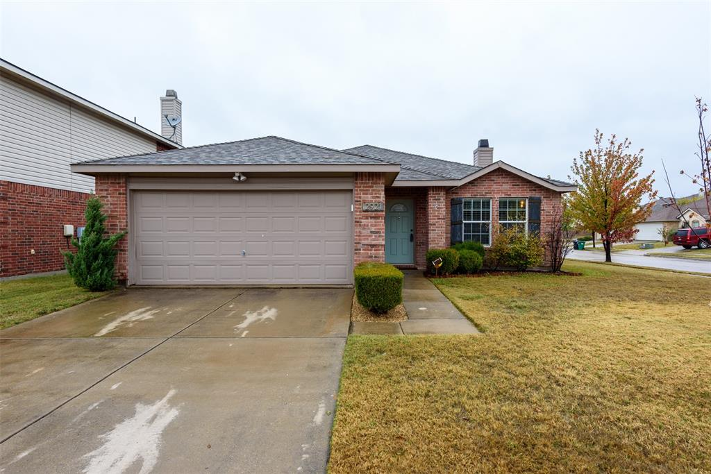 2921 Desert  Drive, Denton, Texas 76210 - Acquisto Real Estate best plano realtor mike Shepherd home owners association expert