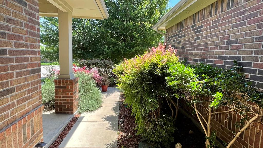 7561 Lazy Spur  Boulevard, Fort Worth, Texas 76131 - acquisto real estate best allen realtor kim miller hunters creek expert