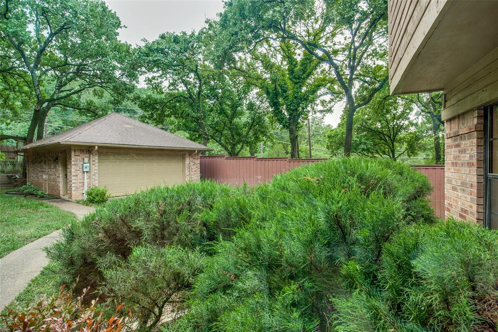 2403 Winding Hollow  Lane, Arlington, Texas 76006 - acquisto real estate best frisco real estate agent amy gasperini panther creek realtor