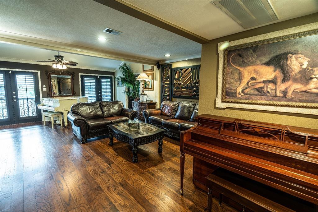 10209 Regal Oaks  Drive, Dallas, Texas 75230 - acquisto real estate best allen realtor kim miller hunters creek expert