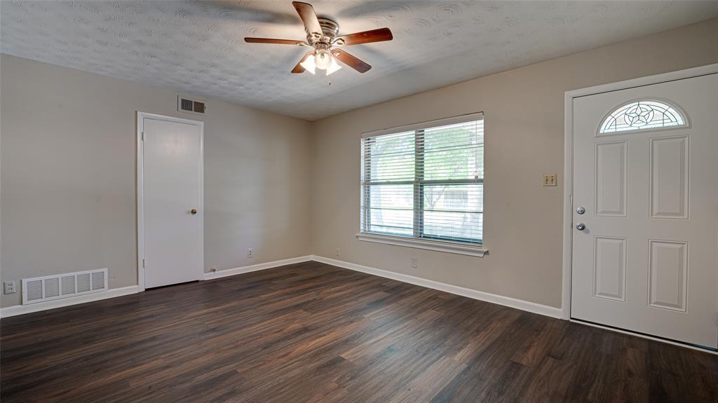 1508 Nichols  Street, Ennis, Texas 75119 - acquisto real estate best allen realtor kim miller hunters creek expert