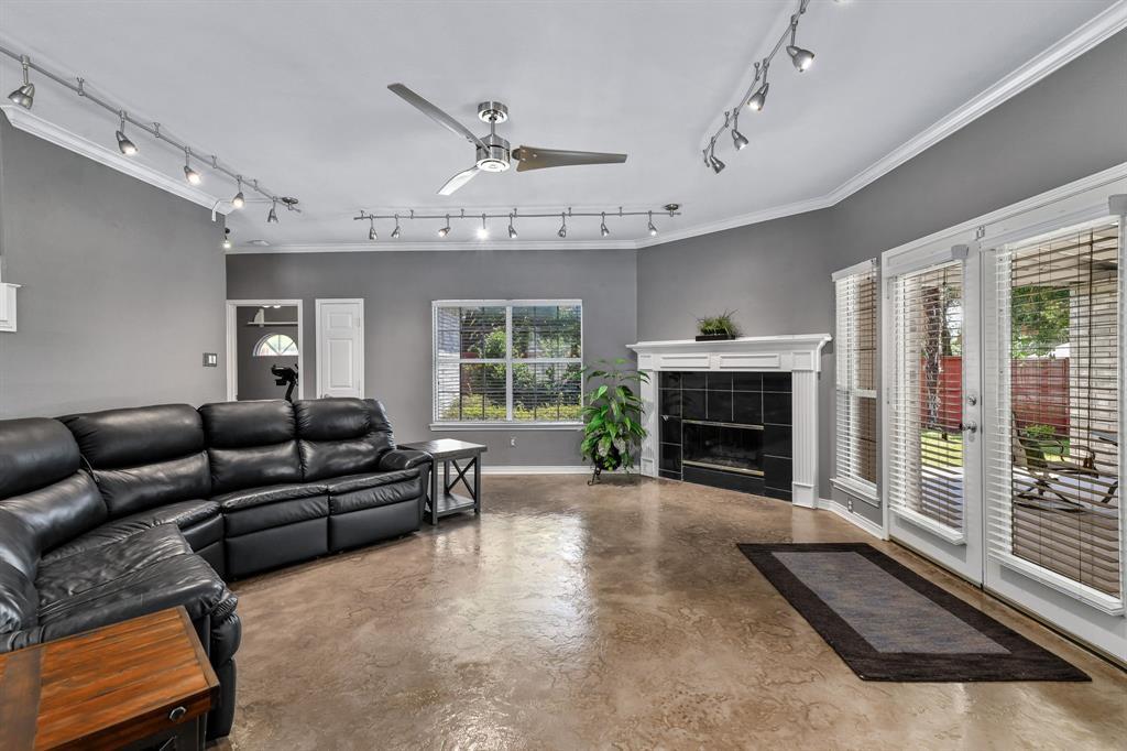 2311 Norwich  Drive, Carrollton, Texas 75006 - acquisto real estate best designer and realtor hannah ewing kind realtor