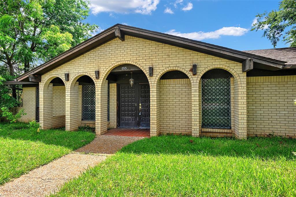 1713 Ridgeway  Drive, Sherman, Texas 75092 - acquisto real estate best the colony realtor linda miller the bridges real estate