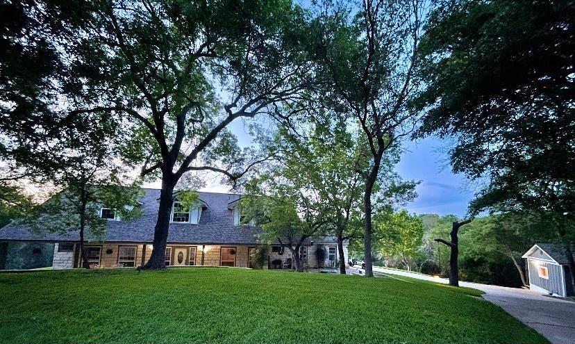 818 Hillcrest  Drive, Salado, Texas 76571 - Acquisto Real Estate best frisco realtor Amy Gasperini 1031 exchange expert