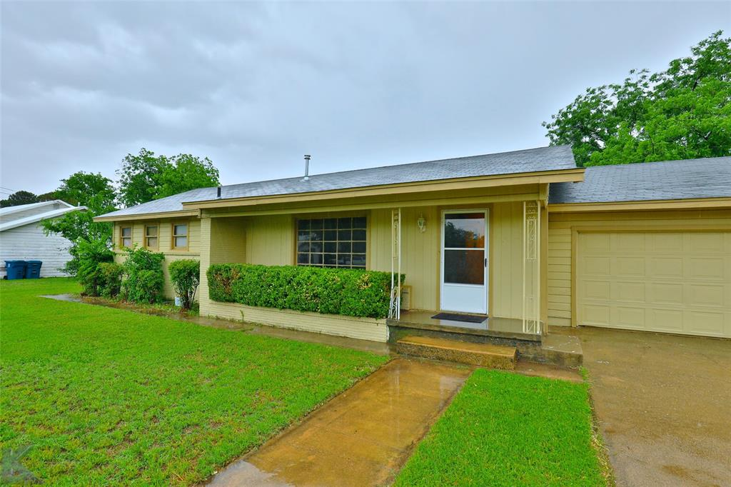 509 Tinkle  Street, Winters, Texas 79567 - Acquisto Real Estate best frisco realtor Amy Gasperini 1031 exchange expert