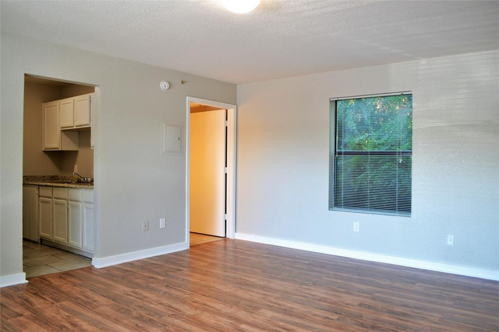 701 Sycamore  Street, Denton, Texas 76201 - Acquisto Real Estate best frisco realtor Amy Gasperini 1031 exchange expert
