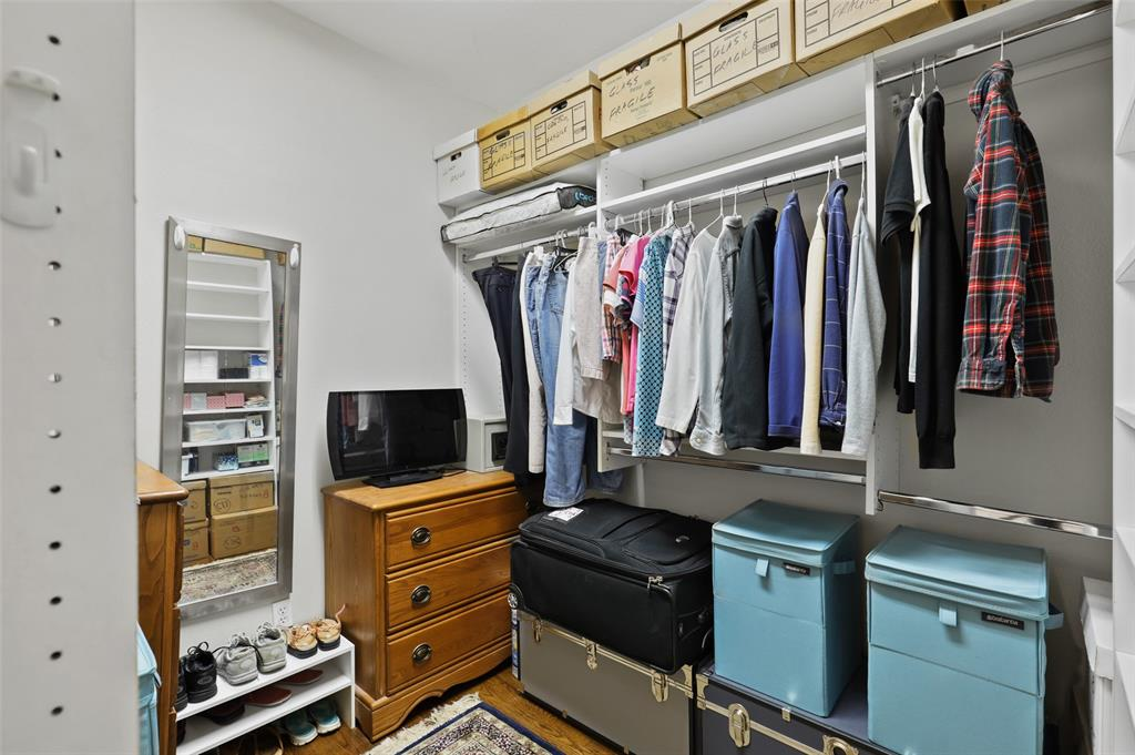 5838 Monticello  Avenue, Dallas, Texas 75206 - acquisto real estate best photos for luxury listings amy gasperini quick sale real estate