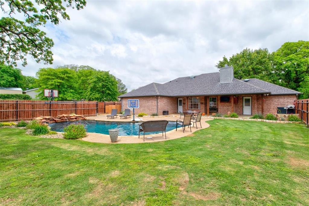 126 Jean  Lane, Burleson, Texas 76028 - acquisto real estate best realtor foreclosure real estate mike shepeherd walnut grove realtor