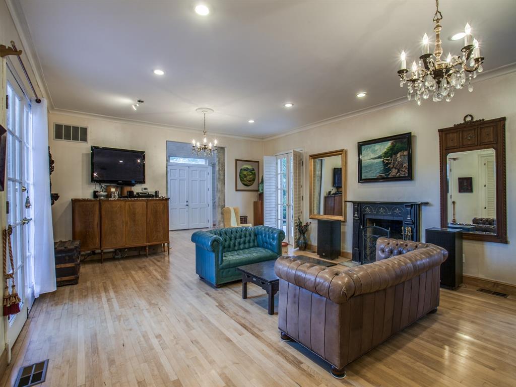 2309 Auburn  Avenue, Dallas, Texas 75214 - acquisto real estate best highland park realtor amy gasperini fast real estate service
