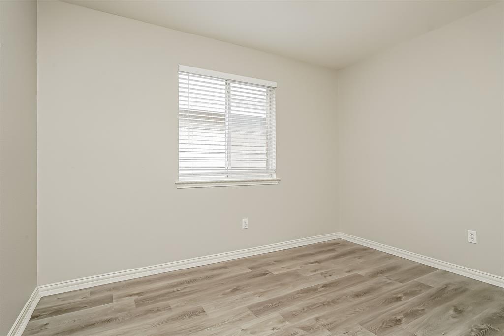 2232 Southway  Denton, Texas 76207 - acquisto real estate best new home sales realtor linda miller executor real estate