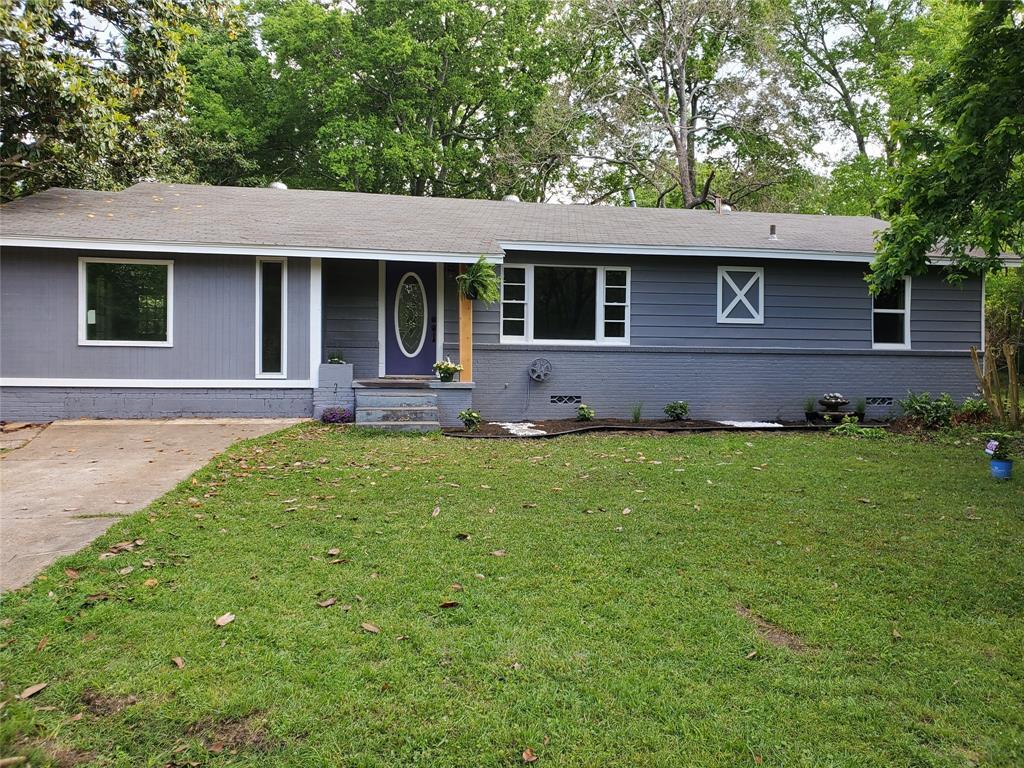 2730 Lincoln  Gladewater, Texas 75647 - Acquisto Real Estate best frisco realtor Amy Gasperini 1031 exchange expert
