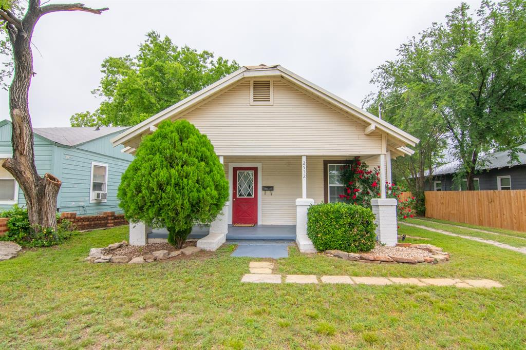 2512 Austin  Avenue, Brownwood, Texas 76801 - Acquisto Real Estate best plano realtor mike Shepherd home owners association expert