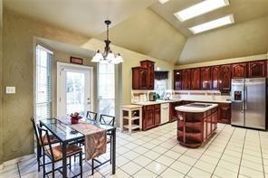 2021 Broadleaf  Drive, Arlington, Texas 76001 - acquisto real estate best listing listing agent in texas shana acquisto rich person realtor