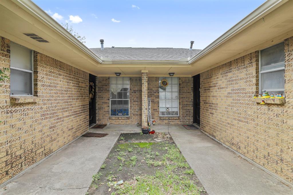 2716 Townbluff  Drive, Plano, Texas 75075 - Acquisto Real Estate best mckinney realtor hannah ewing stonebridge ranch expert