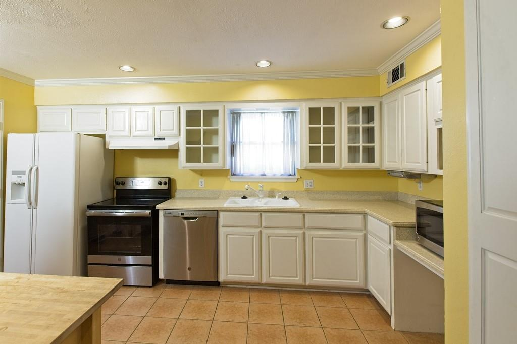 8635 Shagrock  Lane, Dallas, Texas 75238 - acquisto real estate best new home sales realtor linda miller executor real estate