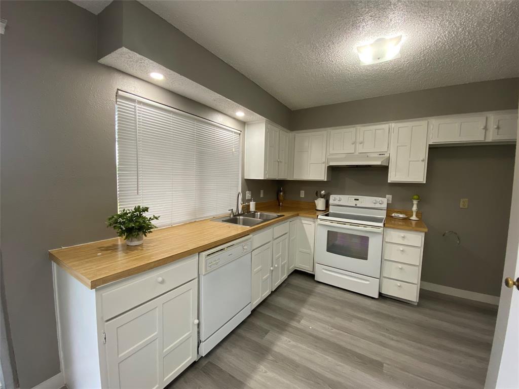 616 Via Sevilla  Mesquite, Texas 75150 - acquisto real estate best realtor dfw jody daley liberty high school realtor