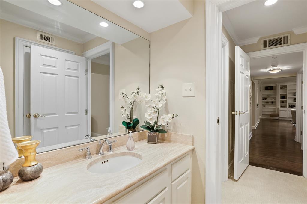 4242 Lomo Alto  Drive, Dallas, Texas 75219 - acquisto real estate best investor home specialist mike shepherd relocation expert