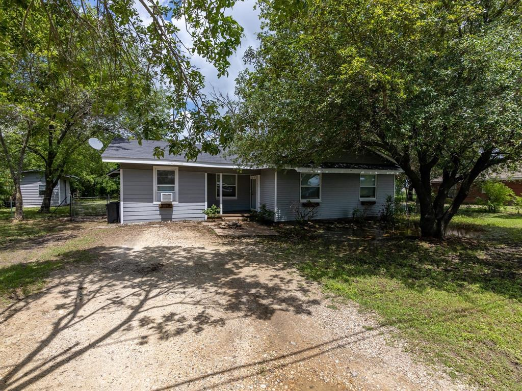 107 Old Blooming Grove  Road, Avalon, Texas 76623 - Acquisto Real Estate best frisco realtor Amy Gasperini 1031 exchange expert