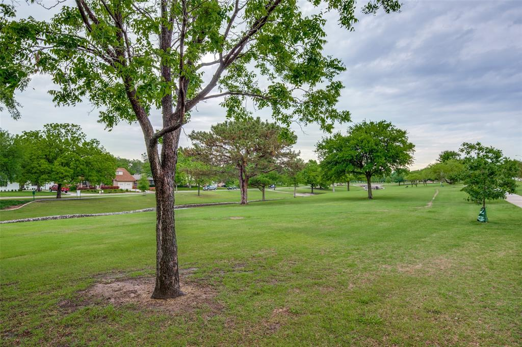 2948 Golfing Green  Drive, Farmers Branch, Texas 75234 - acquisto real estate best plano real estate agent mike shepherd