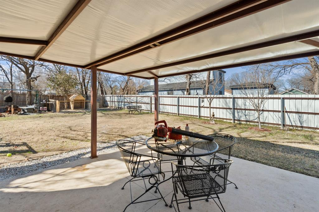 925 Bessie  Street, Fort Worth, Texas 76104 - acquisto real estate best photo company frisco 3d listings
