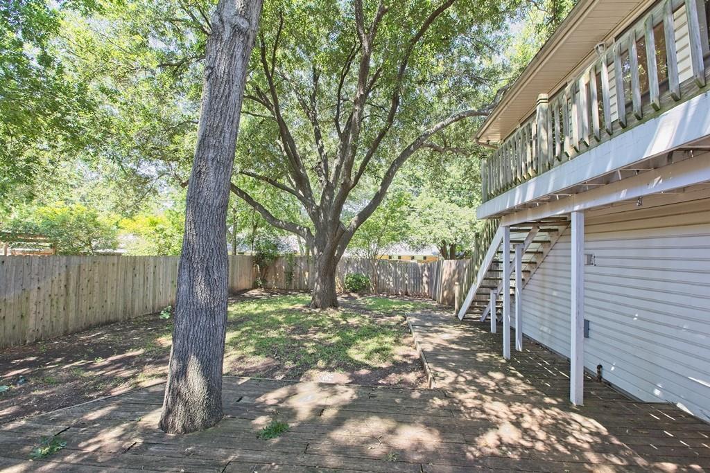 8635 Shagrock  Lane, Dallas, Texas 75238 - acquisto real estate best prosper realtor susan cancemi windfarms realtor