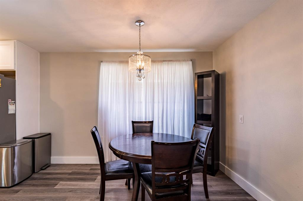 1949 Kentwood  Lane, Carrollton, Texas 75007 - acquisto real estate best real estate company to work for