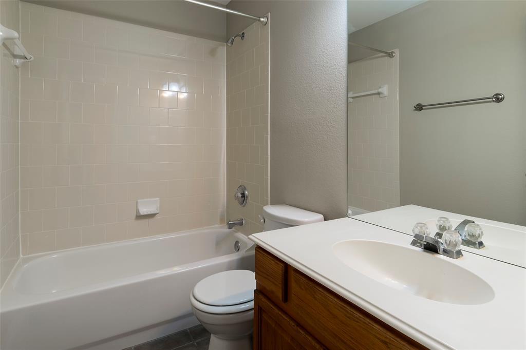7561 Ravenhill  Drive, Frisco, Texas 75035 - acquisto real estate best frisco real estate agent amy gasperini panther creek realtor