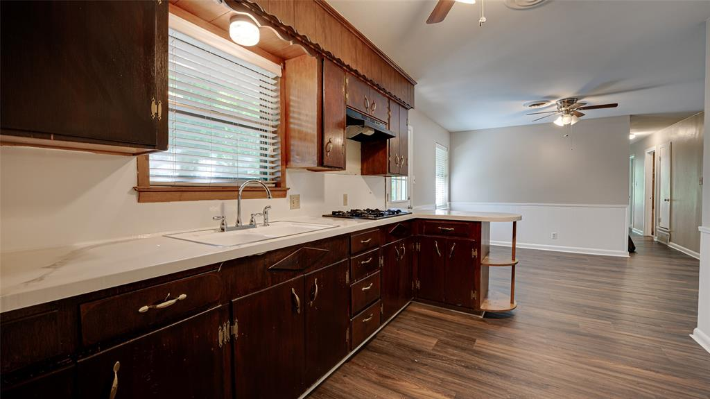 1508 Nichols  Street, Ennis, Texas 75119 - acquisto real estate best real estate company in frisco texas real estate showings