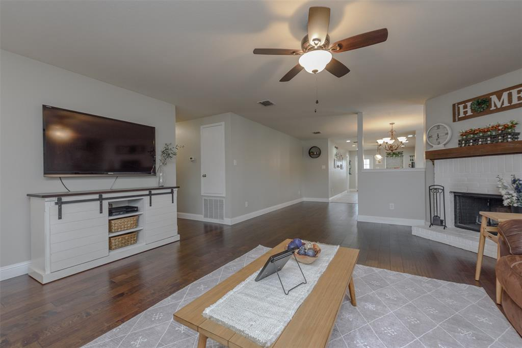 2921 Desert  Drive, Denton, Texas 76210 - acquisto real estate best real estate company to work for