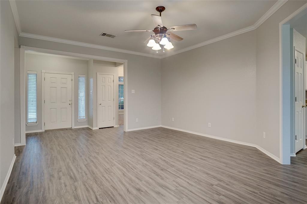 1015 Vinewood  Avenue, Burleson, Texas 76028 - acquisto real estate best the colony realtor linda miller the bridges real estate