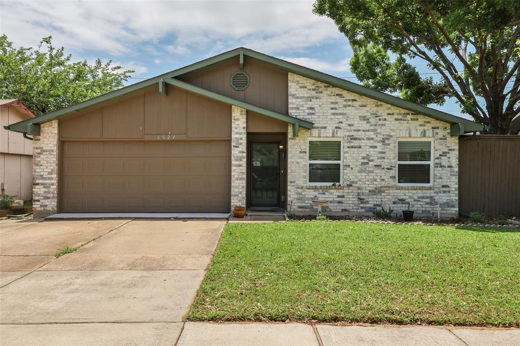 6024 Maple  Lane, Rowlett, Texas 75089 - Acquisto Real Estate best plano realtor mike Shepherd home owners association expert