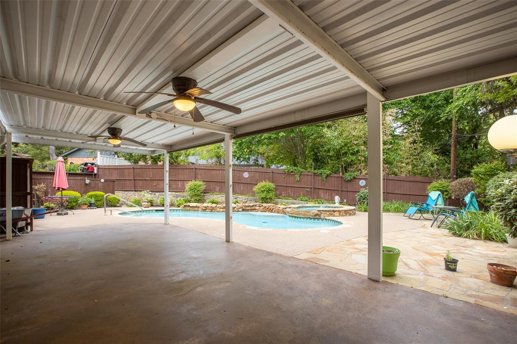 913 Circle  Lane, Bedford, Texas 76022 - acquisto real estate best plano real estate agent mike shepherd
