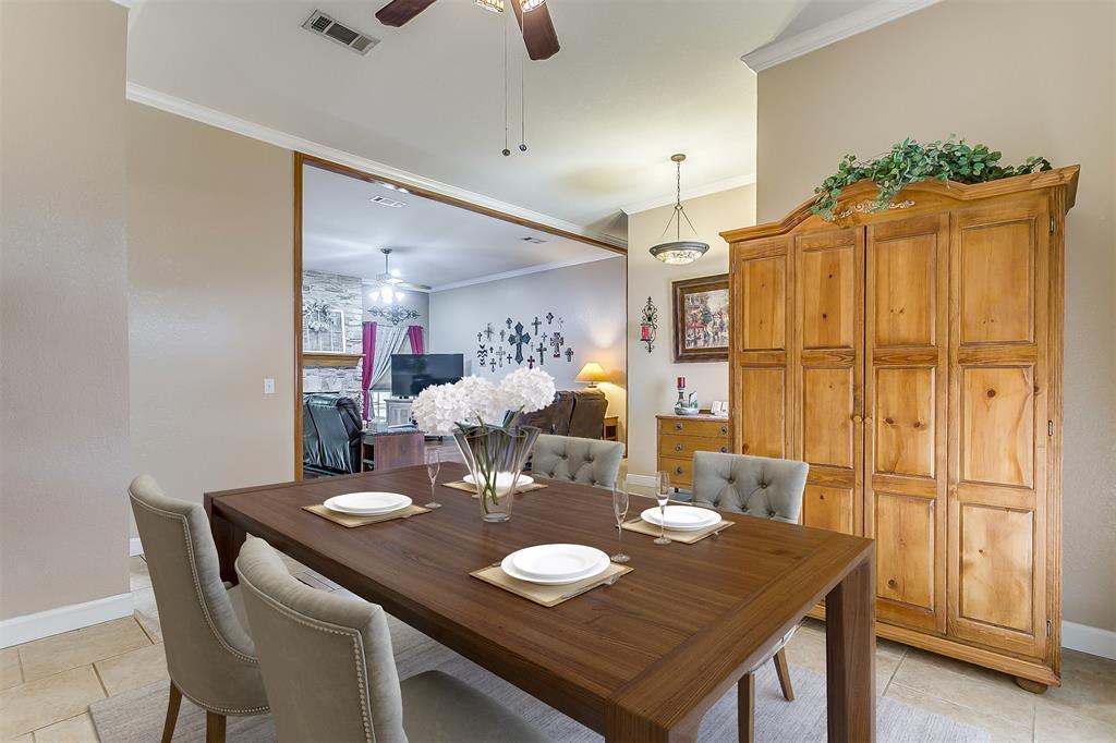 532 Forest Edge  Street, Burleson, Texas 76028 - acquisto real estate best highland park realtor amy gasperini fast real estate service