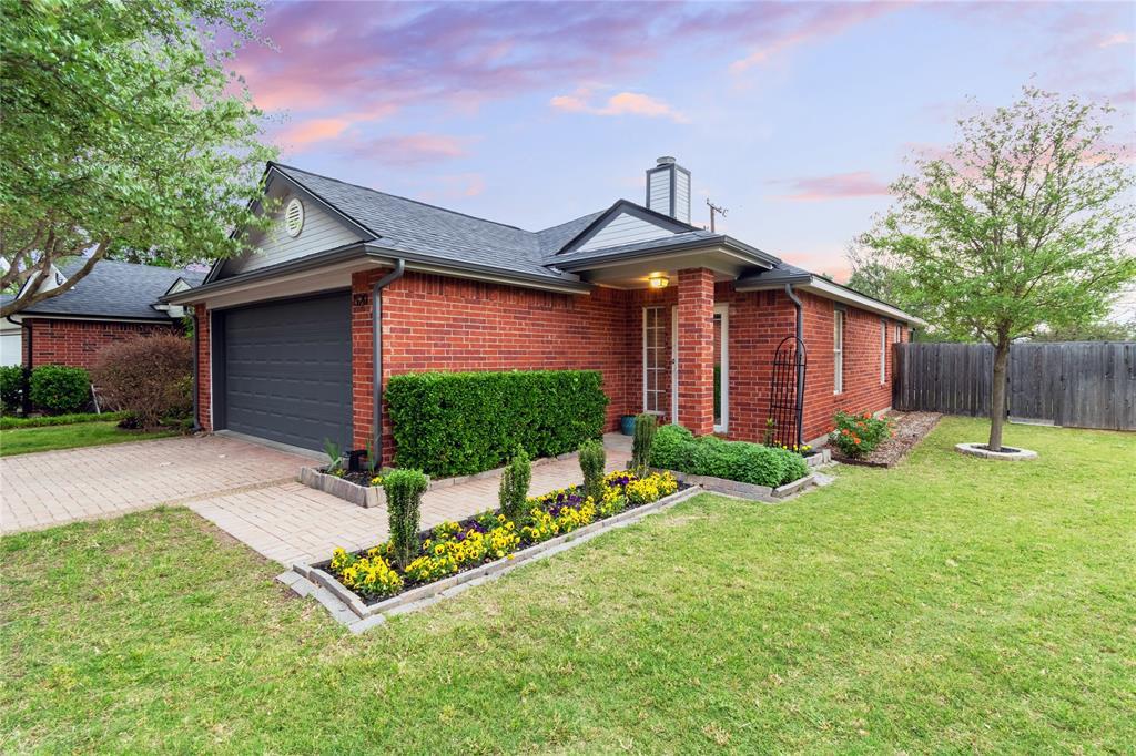 520 Majestic Park  Lane, Cedar Hill, Texas 75104 - Acquisto Real Estate best plano realtor mike Shepherd home owners association expert