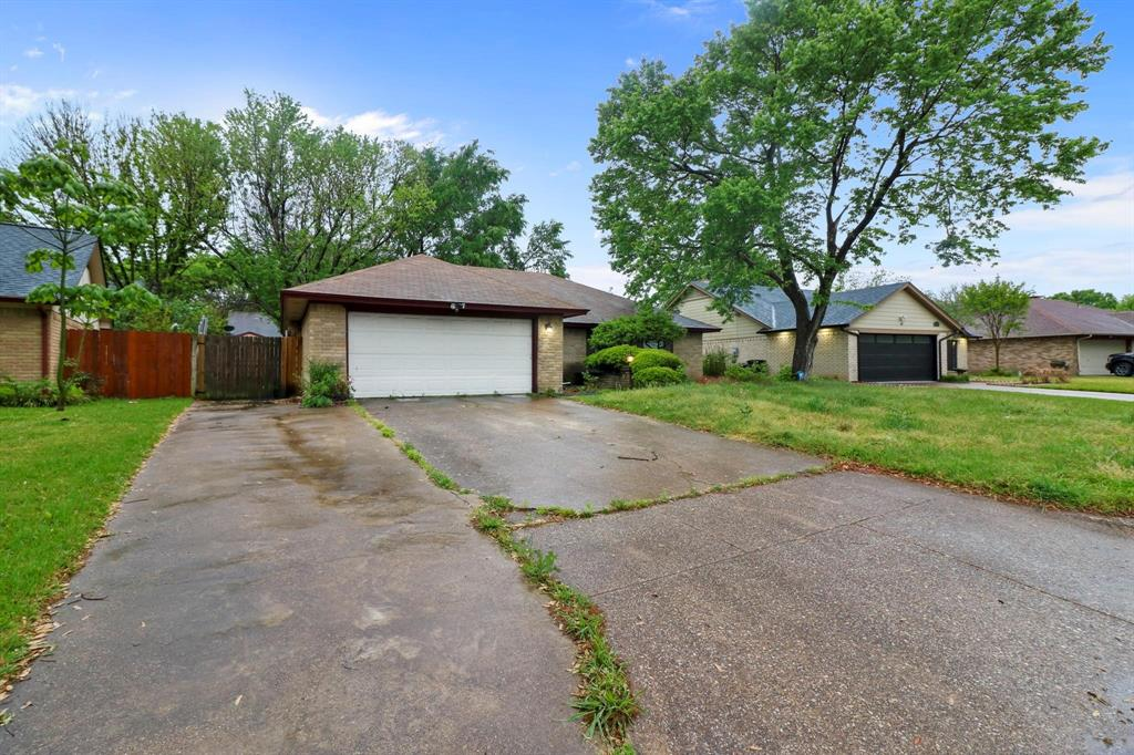 2453 Hallmark  Street, Grand Prairie, Texas 75052 - acquisto real estate best listing agent in the nation shana acquisto estate realtor