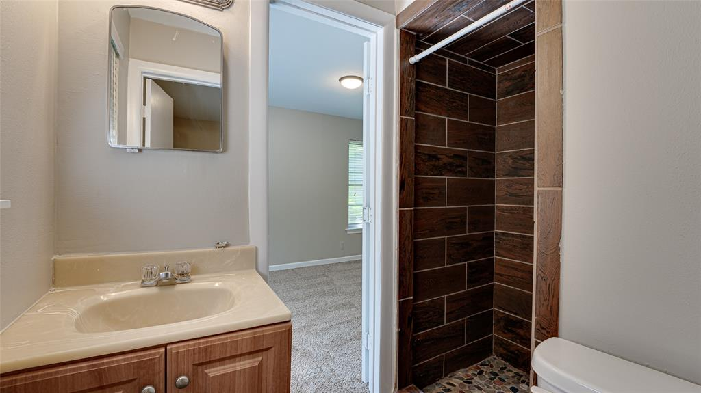1508 Nichols  Street, Ennis, Texas 75119 - acquisto real estate best designer and realtor hannah ewing kind realtor