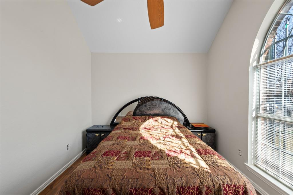 925 Bessie  Street, Fort Worth, Texas 76104 - acquisto real estate best luxury buyers agent in texas shana acquisto inheritance realtor