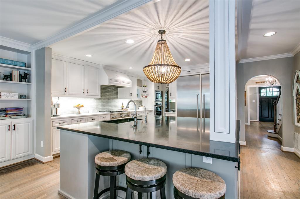 6738 Avalon  Avenue, Dallas, Texas 75214 - acquisto real estate best luxury buyers agent in texas shana acquisto inheritance realtor