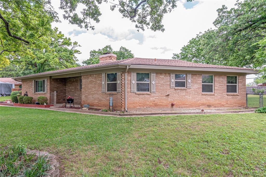 22 Shadowbrook  Lane, Hurst, Texas 76053 - acquisto real estate best allen realtor kim miller hunters creek expert