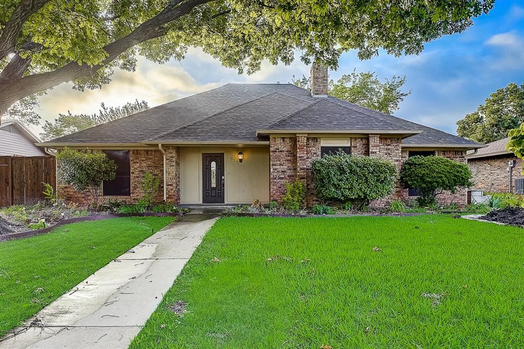 1919 Big Sky  Drive, Lewisville, Texas 75077 - Acquisto Real Estate best frisco realtor Amy Gasperini 1031 exchange expert