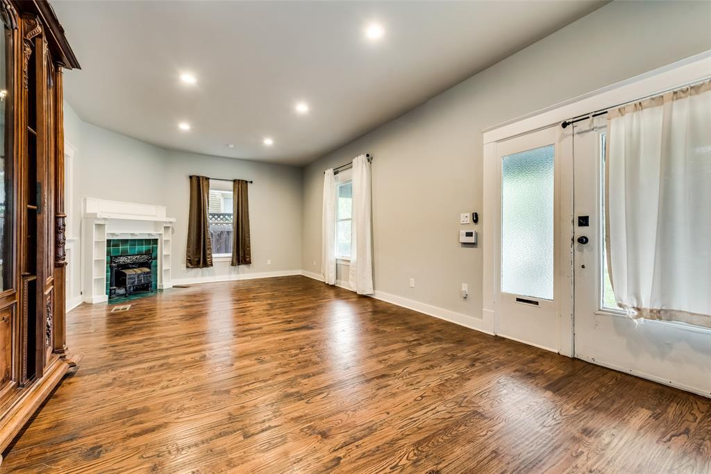 710 Bishop  Avenue, Dallas, Texas 75208 - acquisto real estate best highland park realtor amy gasperini fast real estate service