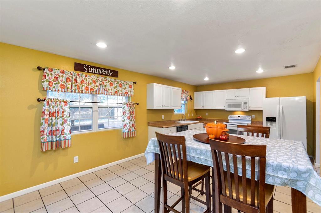 5701 Hanson  Drive, Watauga, Texas 76148 - acquisto real estate best park cities realtor kim miller best staging agent