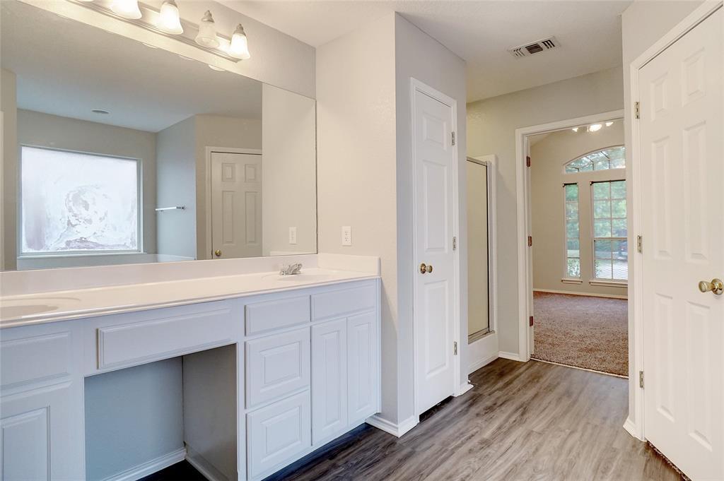 1015 Vinewood  Avenue, Burleson, Texas 76028 - acquisto real estate best designer and realtor hannah ewing kind realtor
