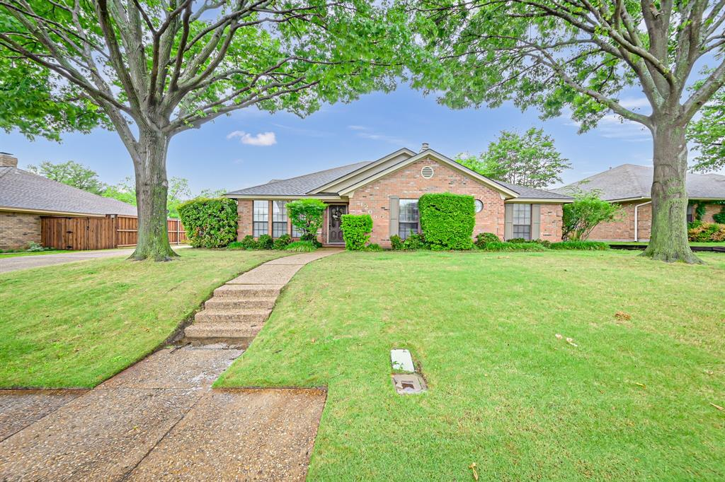 1209 Clubhouse  Drive, Mansfield, Texas 76063 - Acquisto Real Estate best plano realtor mike Shepherd home owners association expert