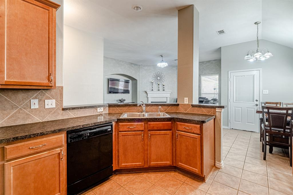 12145 Durango Root  Drive, Fort Worth, Texas 76244 - acquisto real estate best investor home specialist mike shepherd relocation expert
