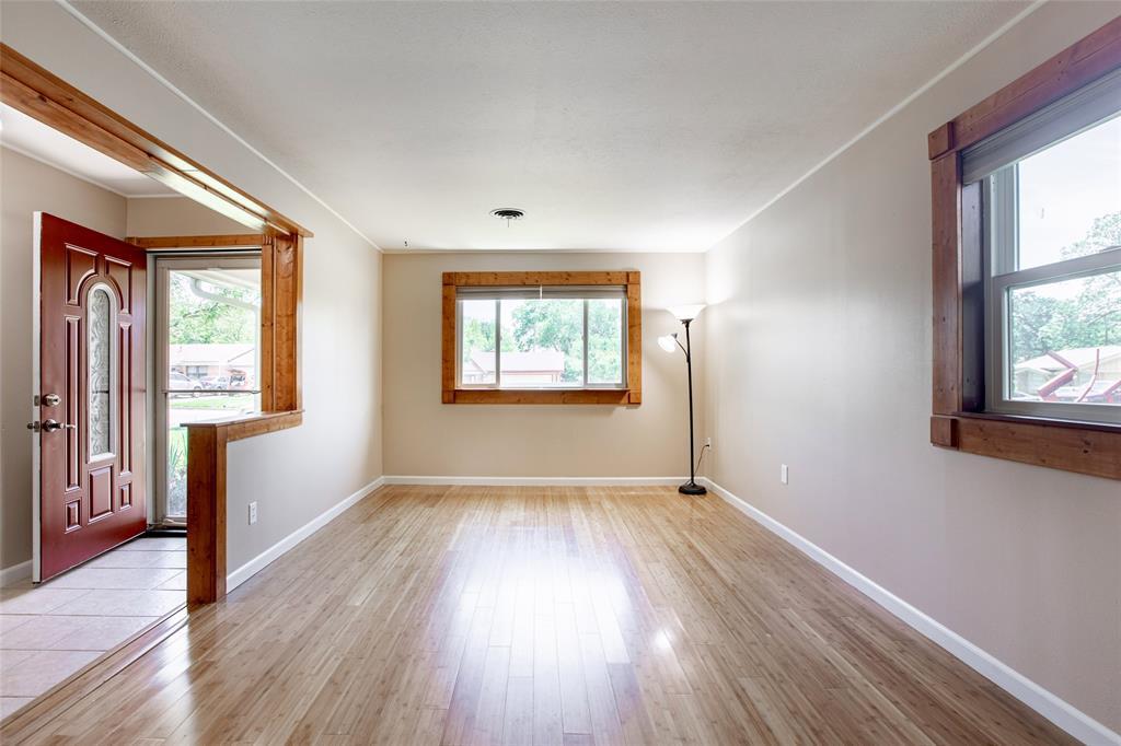 212 Huitt  Lane, Euless, Texas 76040 - acquisto real estate best celina realtor logan lawrence best dressed realtor