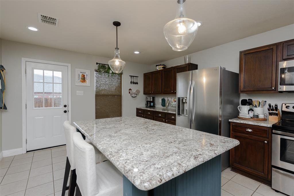 2921 Desert  Drive, Denton, Texas 76210 - acquisto real estate best frisco real estate broker in texas for high net worth buyers