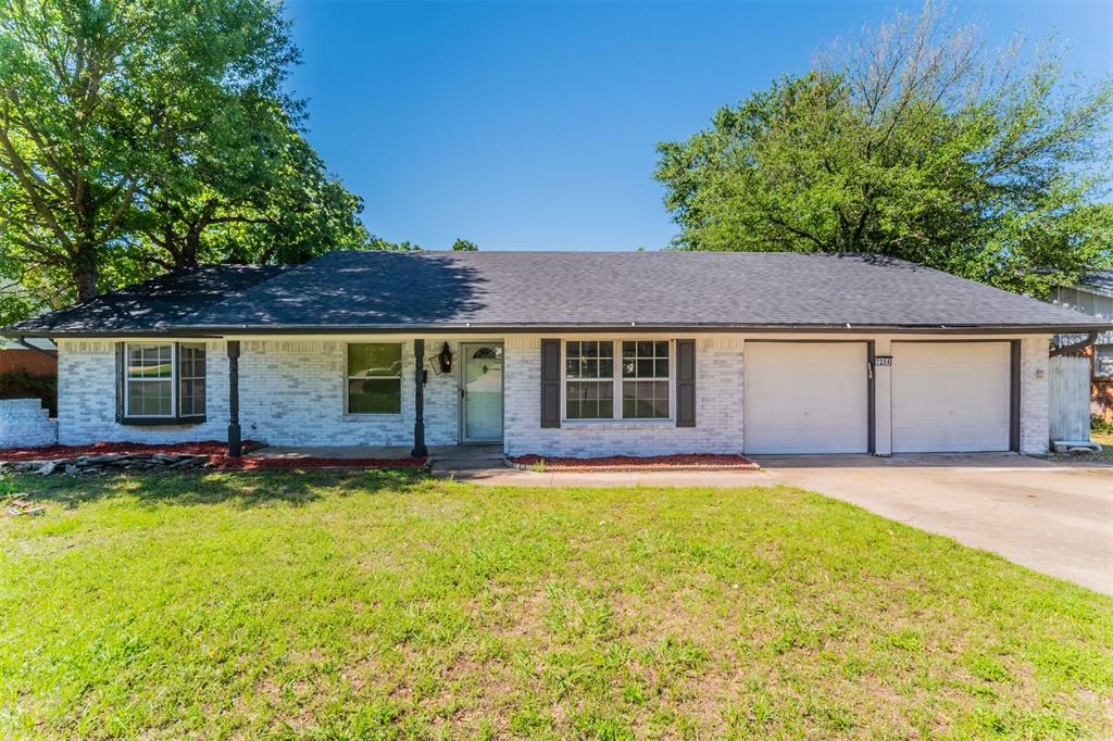 7204 Monterrey  Drive, Fort Worth, Texas 76112 - Acquisto Real Estate best plano realtor mike Shepherd home owners association expert